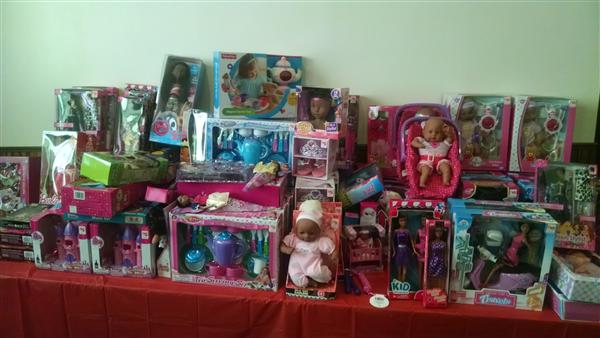 Wenonah High Schools Partner with Macedonia Missionary Baptist Church for Community Toy Drive